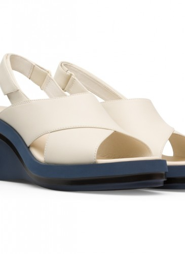 CAMPER Kyra系列白色楔型跟涼鞋,NT$6,980。-2