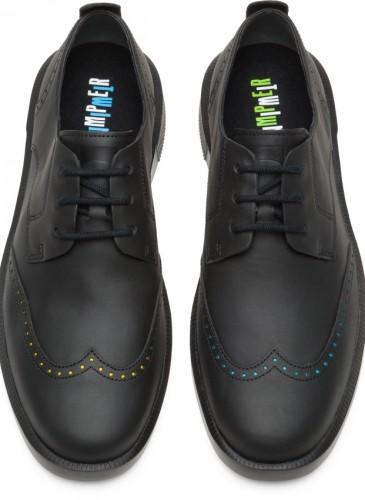 CAMPER Twins黑色藏亮色雕花皮鞋,NT$7,680。(男鞋)