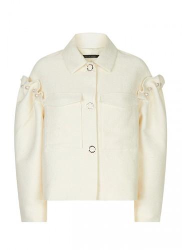 Mother of Pearl米色珍珠外套 ,NT$27,500。(團團選品)