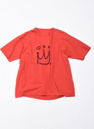 45R寬版橘紅色印皇冠T恤,NT$6,800。