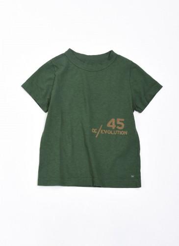 45R Logo軍綠色T恤,NT$5,500。