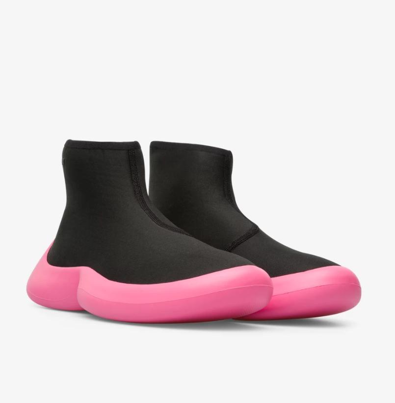 CAMPER ABS螢光粉紅鞋底中筒襪套靴,NT$8,880。(女鞋)-1