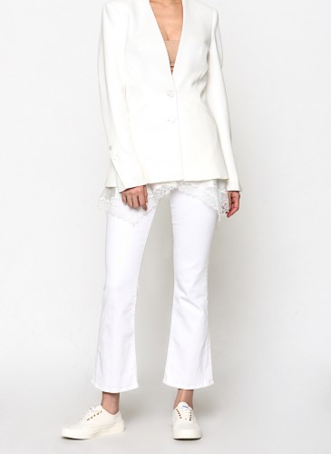 Jonathan Simkhai白色拼接設計西上裝,NT$29,800。(團團選品) 人物穿搭-1