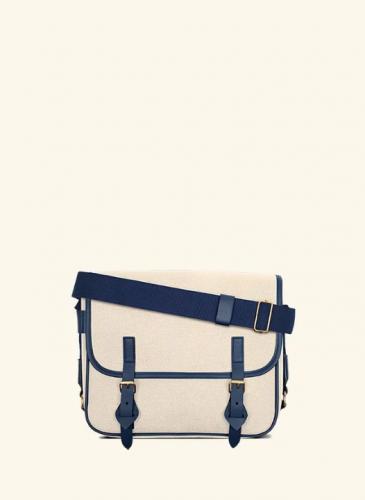 LUNIFORM No°43 米×海軍藍色側背包,NT$28,000。