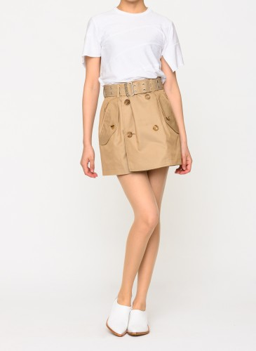 Comme Des Garçons Junya Watanabe 雙排扣D迷你裙,NT$18,800。(團團選品) 形象