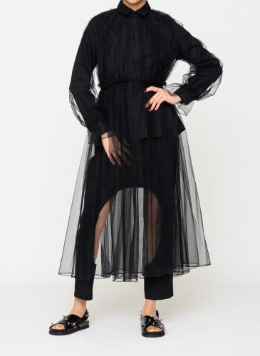 Comme des Garcons黑色雙腿挖洞造型寬褲,NT$21,800。(團團選品) 穿搭