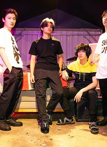 喜事集團E-Shop七月全新視覺形象『我世代,存在感』邀請青年樂團—「FORMOZA」擔當演出,充滿音樂正能量。-2