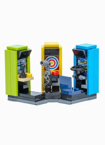 樂高「Level up想像力大作戰」活動華山場,憑活動闖關憑證並消費不限金額買就送樂高歡樂遊戲機
