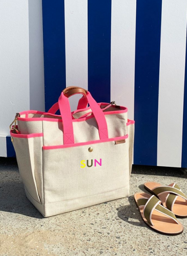 LUNIFORM全新推出Neon Collection螢光色系列包袋 - LUNIFORM No°3工具包,NT$26,800。-1